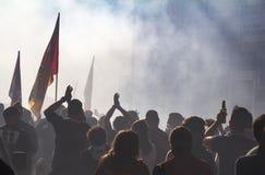 Populäre Antirassistdemonstration in Italien stockbilder