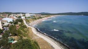 Populair Strand op de Zwarte Zee van hierboven Stock Afbeelding