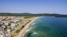 Populair Strand op de Zwarte Zee van hierboven Royalty-vrije Stock Foto's