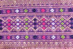 Populaire het patroonachtergrond van batiksarongen in traditioneel Thailand, royalty-vrije stock afbeelding
