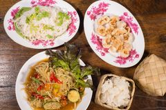 Populaire noordoostelijke Thaise voedselpapaja lalad Stock Foto's