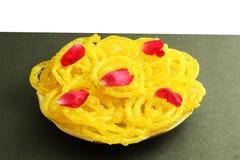 Populaire traditionele Indische zoete jalebi van de gujaratisnack stock afbeelding