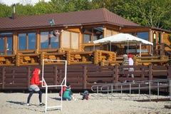 Popularna cukierniana stajnia w Zelenogradsk lokalizował blisko miasta ` s piaskowatej plaży obraz royalty free