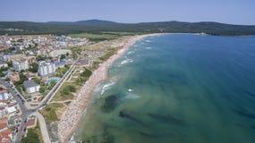 Popularna plaża na Czarnym morzu od Above Zdjęcie Royalty Free
