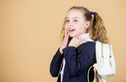 Popularny pożytecznie mody akcesorium Uczennic ponytails fryzura z małym plecakiem Przewożenie rzeczy w plecaku learn obraz royalty free