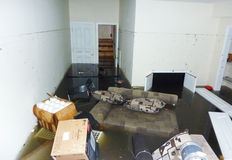 Porão no dia seguinte completamente inundado após o furacão Sandy em Staten Island Fotos de Stock Royalty Free