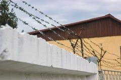 Poręczówka i druciany siatkarstwo jako system bezpieczeństwa Fotografia Stock