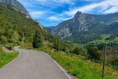 Por Allende en los picos de Europa, Asturias Fotos de archivo