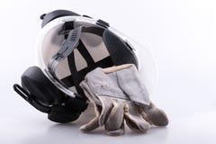 Por debajo del casco mostrando la cuna principal con los protectores contra el ruido Fotos de archivo