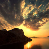 Por do sol acima do mar Fotografia de Stock