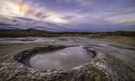 Por do sol acima dos vulcanoes Imagens de Stock Royalty Free