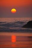 Por do sol atlântico Imagens de Stock