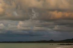 por do sol bonito, céu e nuvens Fotos de Stock Royalty Free