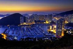 Por do sol bonito de Hong Kong, abrigos do tufão de Aberdeen fotos de stock royalty free