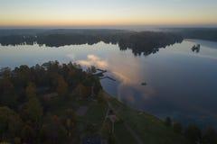 Por do sol bonito em Katrineholm, Suécia, Escandinávia foto de stock