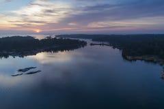 Por do sol bonito em Stendorren, Nykoping, Suécia, Escandinávia imagens de stock