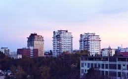 Por do sol bonito na cidade de Chisinau foto de stock
