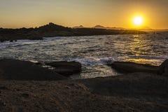 Por do sol bonito na ilha dos Milos Fotos de Stock Royalty Free