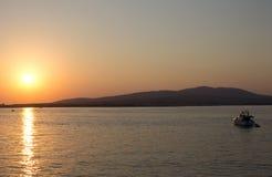 Por do sol bonito na praia Fotos de Stock Royalty Free