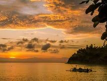 Por do sol bonito na praia de Bali, Indonésia Fotografia de Stock Royalty Free