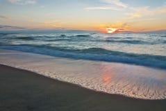 Por do sol bonito no mar Imagem de Stock Royalty Free