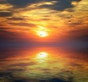 Por do sol bonito no mar Seascape Imagens de Stock Royalty Free