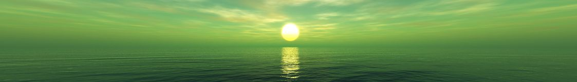 Por do sol bonito, nuvens e sol do mar acima da água Imagens de Stock Royalty Free