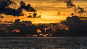 Por do sol bonito Oceano Índico maldives fotografia de stock