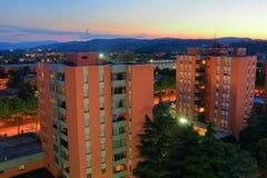 Por do sol bonito sobre a cidade de Imola em Itália Fotos de Stock