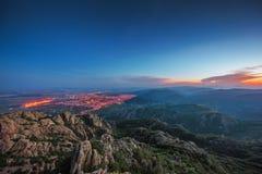 Por do sol bonito sobre a cidade, vista panorâmica cênico Imagens de Stock Royalty Free