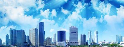 Por do sol bonito sobre Miami do centro, vista aérea Imagens de Stock