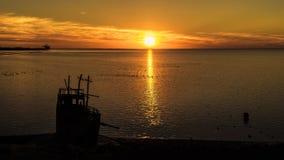 Por do sol bonito sobre o campo de jogos de StKilda, Salisbúria, Sul da Austrália imagens de stock royalty free