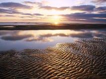 Por do sol bonito sobre o mar Fotografia de Stock