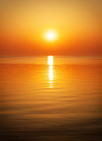 Por do sol bonito sobre o oceano Fotografia de Stock Royalty Free