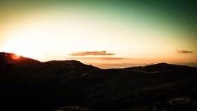 Por do sol bonito sobre o vulc?o extinto Montana Roja, Lanzarote fotografia de stock royalty free