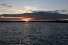 Por do sol bonito do verão em Chasewater, Staffordshire Imagens de Stock