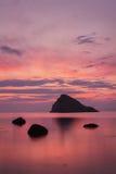 Por do sol colorido em Skye Fotografia de Stock
