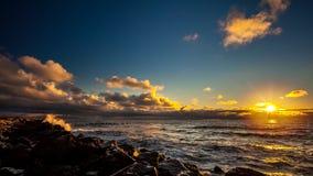 Por do sol colorido no Mar Negro, Poti, Geórgia foto de stock royalty free