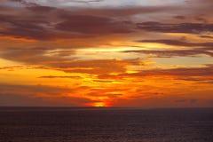 Por do sol colorido no Oceano Índico Foto de Stock