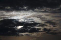 Por do sol com nuvens de tempestade Foto de Stock