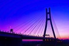 Por do sol com a ponte Fotografia de Stock Royalty Free