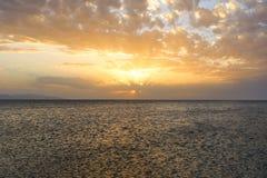 Por do sol com um ângulo largo Fotografia de Stock