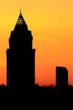 Por do sol da arquitetura da cidade da silhueta Foto de Stock Royalty Free