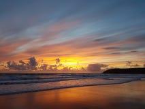Por do sol da baía de Croyde em Devon norte fotos de stock