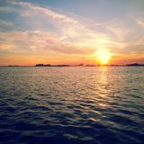 Por do sol da baía de Muskamoot fotografia de stock