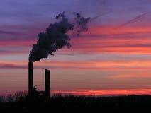 Por do sol da central energética Imagens de Stock