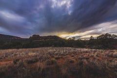 Por do sol da estrada da escola do vale de Verde Foto de Stock Royalty Free