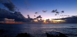 Por do sol da Ilha de Páscoa, o Chile imagens de stock