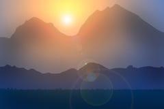 Por do sol da montanha Fotos de Stock