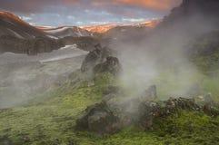 Por do sol da montanha perto de Landmannalaugar Foto de Stock Royalty Free